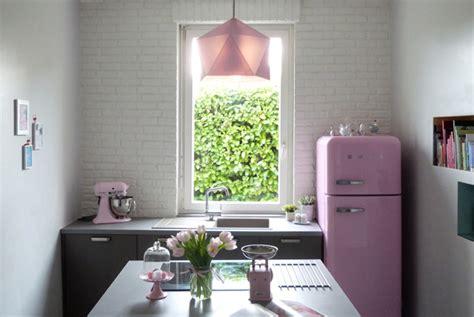 cuisine avec frigo smeg cuisine nouvelle couture et turbulences