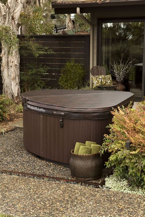 Backyard With Tub by 1000 Ideas About Backyard Tubs On