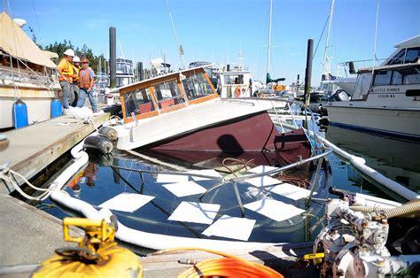 Boat Marina Fails by Boat Sinks As Pumps Fail In Wayne Marina Peninsula