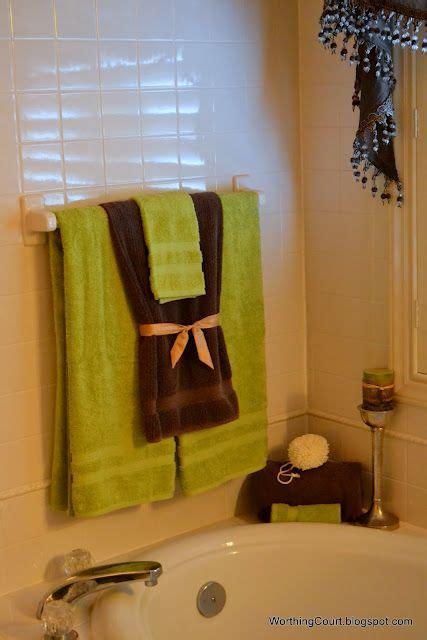 Towel Decoration For Bathroom - best 25 bathroom towel display ideas on bath