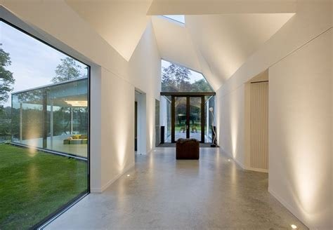 interiors   dramatic uplighting  brighten