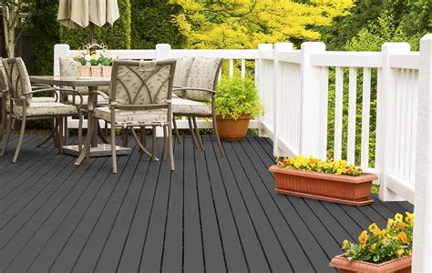 trending stain colors       outdoor space
