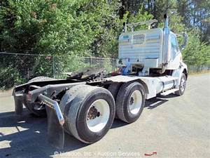 Sterling A9500  2006    Daycab Semi Trucks