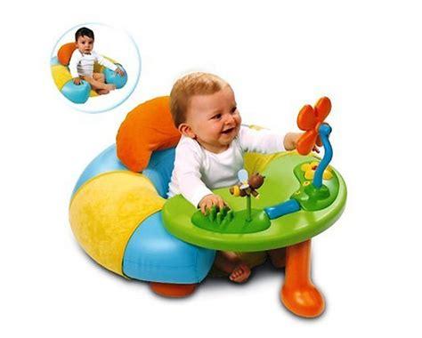 siege pour asseoir bebe tables d 39 éveil et d 39 activité modèles avec siège