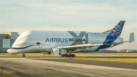 big picture airbus beluga xl   uk landing