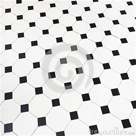 black and white ceramic floor tile piso blanco y negro de las baldosas cerámicas foto de