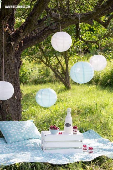 romantic outdoor picnic wedding ideas vintage picnic