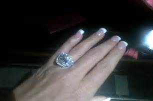 zolciak wedding ring zolciak 39 s engagement ring puts 39 s to shame