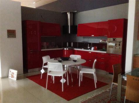 cucina scavolini rossa scavolini flux rossa giugiaro cucine a prezzi scontati