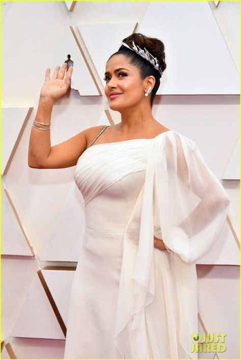 Salma Hayek Gives Goddess Glamour at Oscars 2020: Photo ...