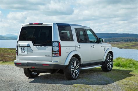 comparison land rover lr4 2016 vs toyota land