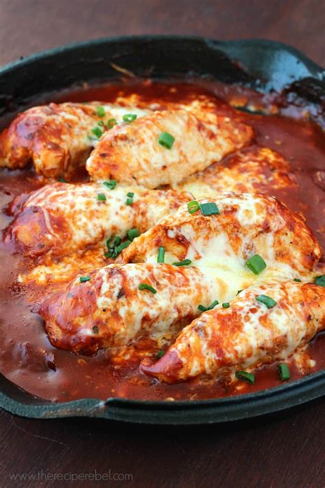 skillet chicken recipes easy skillet chicken parmesan the recipe rebel