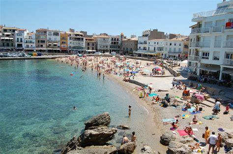 port de l escala espagne l escala costa brava travel guide catalonia valencia travel guides