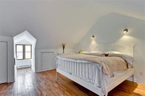 attic bedroom designs efficiently utilizing  roof