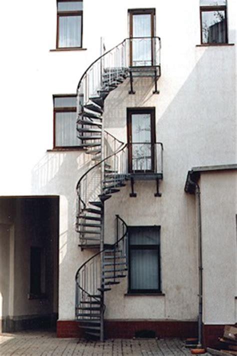 verzinkte treppen verzinkte stahl spindeltreppen für den außenbereich