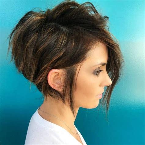 coupes cheveux mi longs tendance  coiffure simple