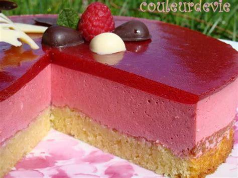 bavarois aux framboises miroir aux fraises ou framboises sur fondant aux amandes recette sur