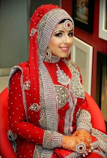 contoh baju pengantin muslim ala india terbaru