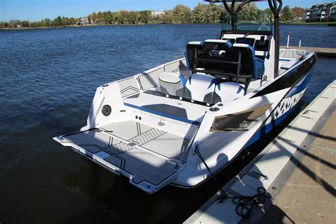 Scarab Boats 255 Review by 2018 Scarab 255 Open Id Boat Test Review 1328 Boat Tests