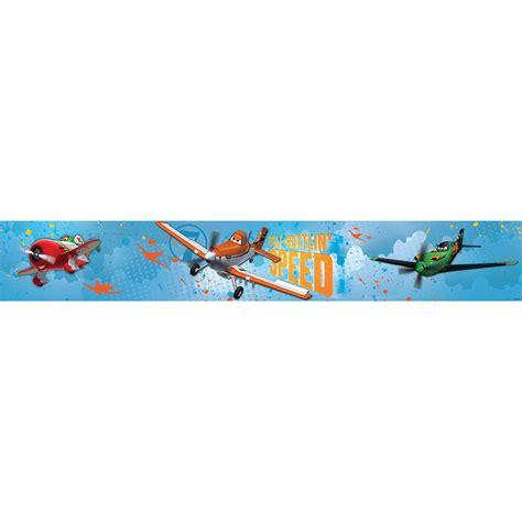 affiches chambre bébé frise murale disney planes decokids tous leurs héros