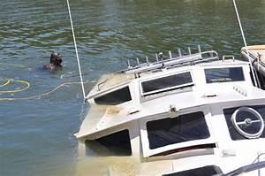 Vintage vessel sinks in Mandurah | Bunbury Mail