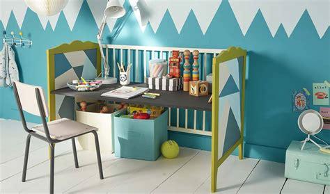 petit bureau bebe beau of lit a barreau bebe lit et armoires