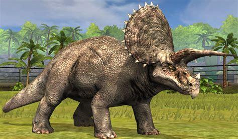 Jurassic-world-dinos-triceratops-3-mini-figures