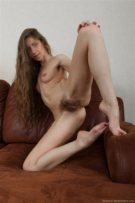 Thin Solo Model Ryisya Reveals Her Unshaven Pits And Pussy