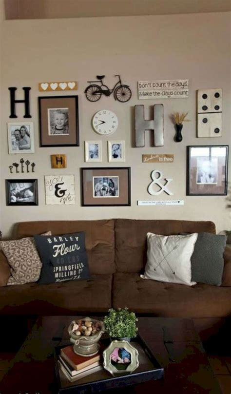Living Room Decorating Ideas Picture Frames by 17 Home Decor Ideas With Photo Frames Futurist Architecture