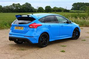 Ford Focus Rs Bleu : ford focus rs 2016 driving performance parkers ~ Medecine-chirurgie-esthetiques.com Avis de Voitures