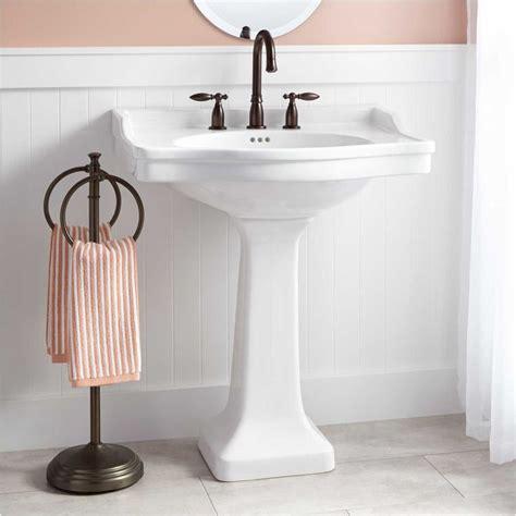 Bathroom Pedestal Sinks Ideas by Top 25 Best Pedestal Sink Bathroom Ideas On