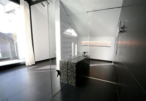 Begehbare Dusche Mit Sitzbank by Begehbare Dusche Graue Fliesen In Betonoptik Geflieste