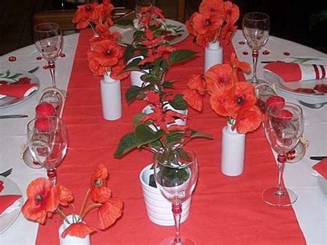 red poppies floral centerpieces  table decorations