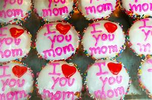 7 Things You Don't Know About Mother's Day's Dark History