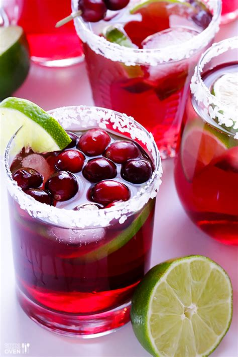 10 Easy Holiday Themed Cocktail Recipes