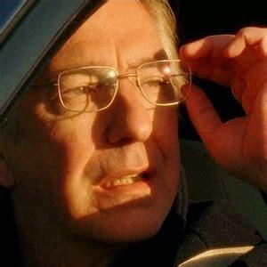 alan  glasseswhich   lie