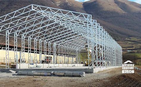 come costruire un capannone struttura in ferro per capannone 5 vantaggi adriatica