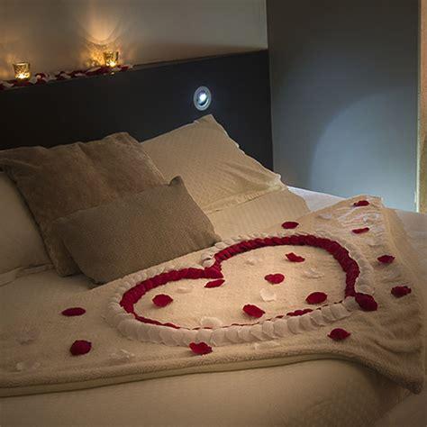 chambre pour une nuit en amoureux des petites attentions pour une nuit romantique à lyon