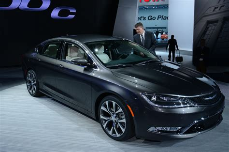 2015 Chrysler 200 C by 2015 Chrysler 200 C Front Photo 5