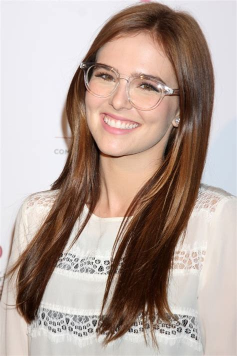 Zoey Deutch's Hairstyles & Hair Colors   Steal Her Style