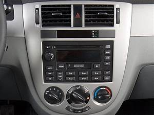 2007 Suzuki Forenza Reviews - Research Forenza Prices  U0026 Specs