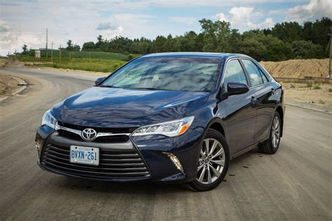 toyota com review 2015 toyota camry xle canadian auto review
