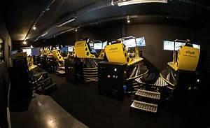 Le Paddock Amneville : comptoir de bar au paddock simulateur de conduite ~ Melissatoandfro.com Idées de Décoration