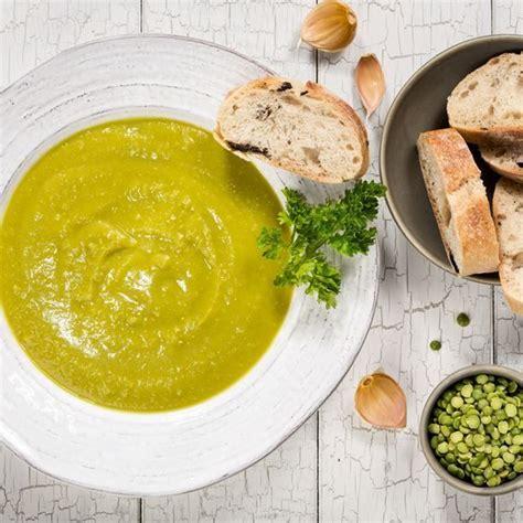 cuisiner des pois cass駸 les 25 meilleures idées de la catégorie soupe aux pois cassés sur soupe