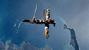 Mir Space Station Crashed To Earth - Pics about space