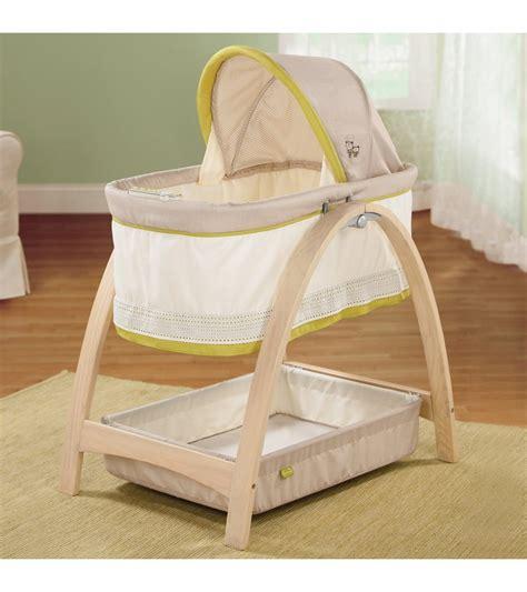 summer infant bentwood motion bassinet bear buddies