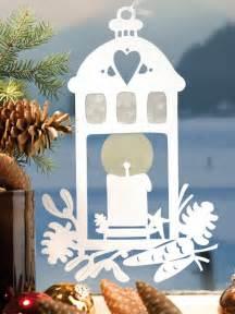 strahlende weihnachtslaterne wunderweib