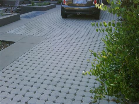 Auffahrt Pflastern Ideen by Gravel Concrete Or Pavers Driveway Design Tips From