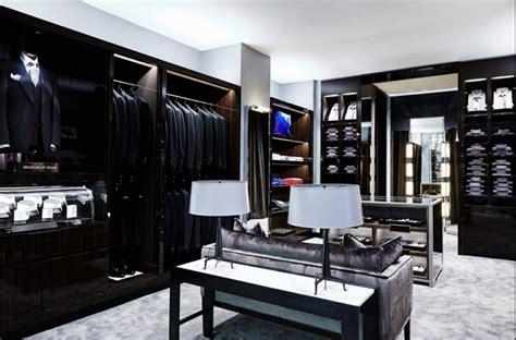Das Ankleidezimmer Moderne Wohnideenankleideraum In Weiss by 1001 Ideen F 252 R Ankleidezimmer M 246 Bel Zum Erstaunen