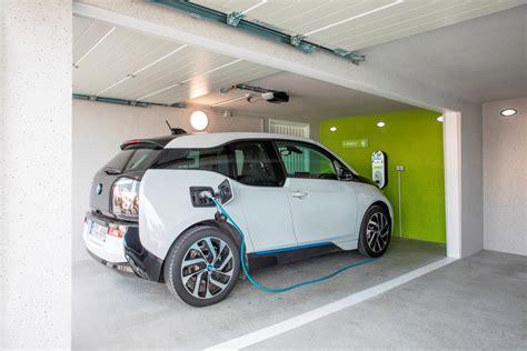 Elektroauto Garage by Elektroauto Bequem Zuhause Aufladen Garagen Welt